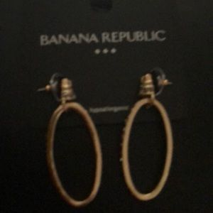 Banana Republic Gold Tone w Diamond like Stones